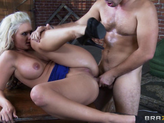 Ass fucking Fuckfest With An Awesome Super-sexy And Trampy Ash-blonde