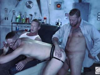 Hot 3some Hugh Hunter, Pierce Paris & Scotty Taylor (1080p)