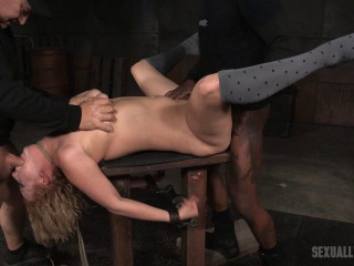 Virgin Ripped - Chesty blonde cums her brains out on chisel and the world's strongest massager (2016)