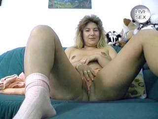 Buxomy blonde going super-naughty