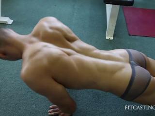 Fitness Model - Philipp - Upper Body Strength Workout
