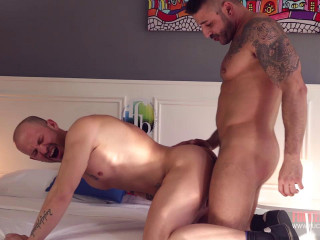 Specialfuck with hot muscled guys