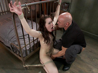 Tattooed Slut Gets Fucked Down(Derrick Pierce, Elizabeth Thorn)