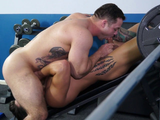 Gay Porno Starlet Scotty Marx and Caleb Heavy display you 10 ways to get laid at the gym