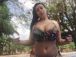 huge tit amazon lady showing her body
