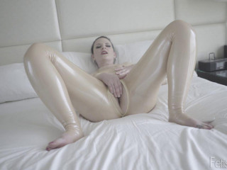 Charlotte incredibly Jerking in his beige latex suit