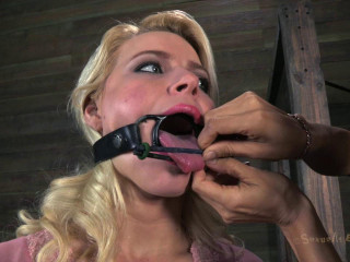 Isis Love in the house to help fuck up Anikka Albrite, tight bondage