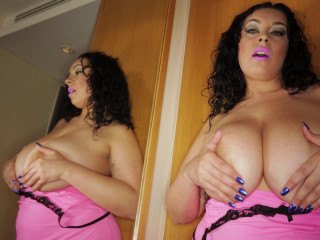 Bouncing boobs goddess full hd