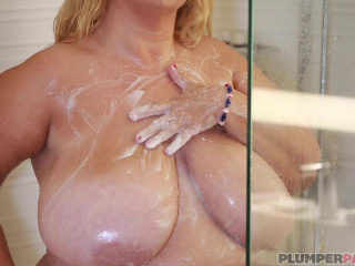 Valentina Krave - Big & Wet