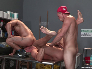 Show Fucking With Three Hot Males