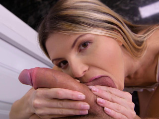 Gina Gerson - Blowjob for the Pizza Boy FullHD 1080p
