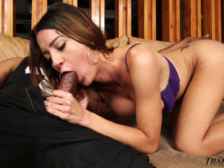 Beauty TS Veronica Loves Deep Anal With Huge Cock