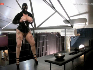 slave m - dungeon session