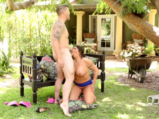Candi Coxx - Dark haired Milf Gets Boinked Rear end Style - June 15, 2016
