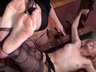 TickleIntensive - Jersey Girl Pixie's Topless Ticklish Turn-On!
