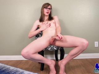 Lianna Lawson's Sexy Dildo Play!