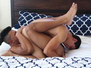 Adrian Kelly gets bareback by Devon Felix