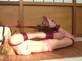 Vanessa R - Supah taut corset gag frogtie