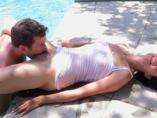 Slut with hairy muffing gives her asshole