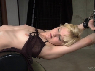 The Workout - Ava Mir-Ausziehen and Mistress Irony - HD 720p