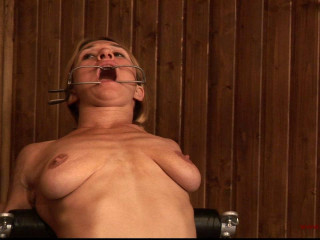 Toaxxx - tx068 - Strong Steel & Cropping for Katharina