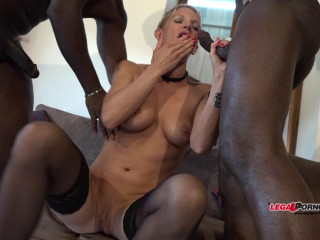 French Cougar Mia Wallace like stiff multiracial dual buttfuck and Double penetration