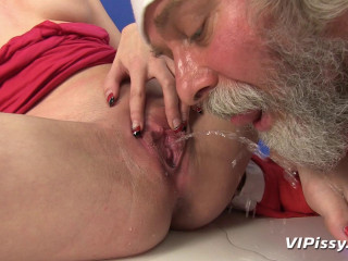 Naughty Youthful Dame Calls On Santa To Fulfill Her Fantasy
