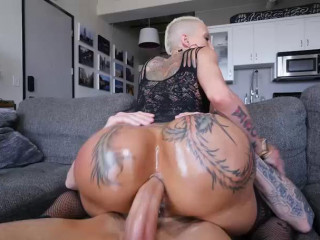 Bella Does Anal On For Comeback