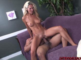 Heidi Brookes - Good Housewife Heidi Wants