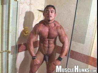 MuscleHunks - Carlos Botero