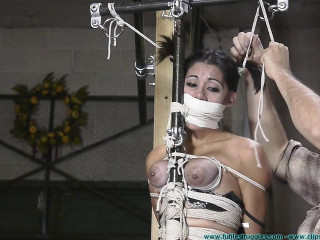Sahryes Performance Suffers So She must Do the same - Part 3