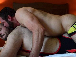 Topher Phoenix - Bareback Breeding Bears