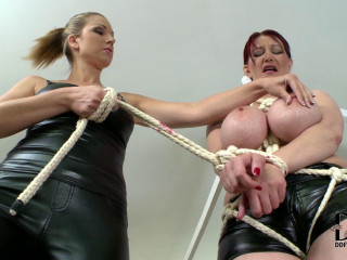 Vanessa & Carol - Don't Displease The Domina