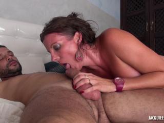 Caroline, 44, deputy wife!
