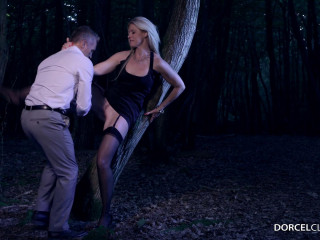 Voyeur moment in the woods for India Summer FullHD 1080p