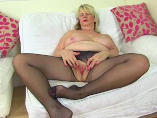 Huge boob mature slut masturbates in lingerie