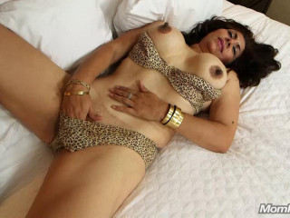 48 year old latina mom with a bush