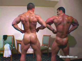 MuscleHunks - Arkady Zadrovich and Uberto Ugo