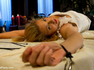 Private Dinner for 2 Turns into a Vibrating Night of Vengeance for Torrid Mummy Roxanne Hall!