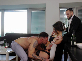 Verona Sky - Irresistibly Hot: Russian Stripper Sucks Rock-Hard Dick FullHD 1080p