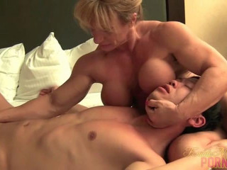 Female Bodybuilder Porn screen 15