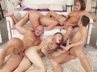 Blonde and Dark haired Stunners and Trio Boys Have Gangbang