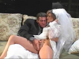 Bridal puss fucking show