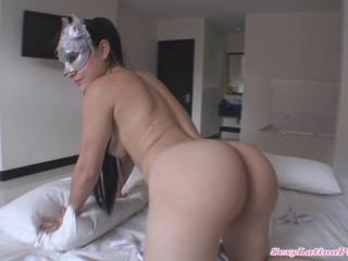 big booty spanish andreas masturbates on bed