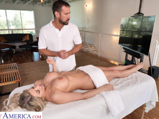 Sophia Deluxe - Needs cock on the massage table (2020)