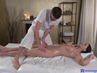 Jolee Love - Big tits German gives oily tit wank FullHD 1080p