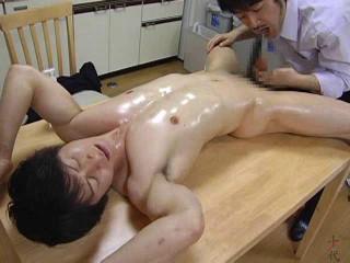 Famous Gymnast U-kun and Hist Demon Step