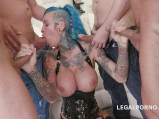 Facialized 5on1 Group sex