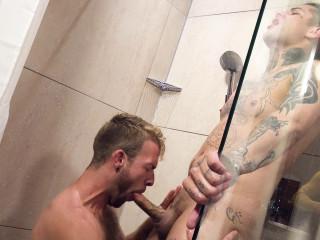 Scrubbing fuck With Gabriel Phoenix & Mickey Taylor