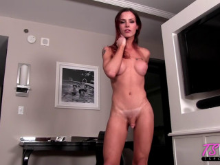 Porno Babe Doing Her Paperwork Gets Distracted